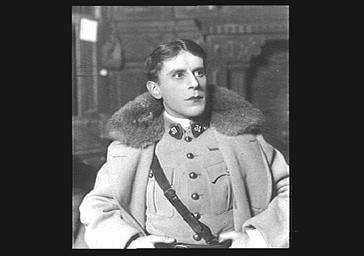 André Brulé au théâtre, en costume de scène