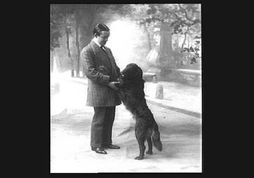 Bussières avec un chien