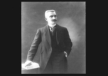 Cayeux, professeur au Collège de France