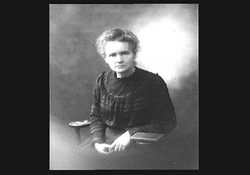 Marie Curie, professeur de chimie, prix Nobel de physique en 1903 et 1911