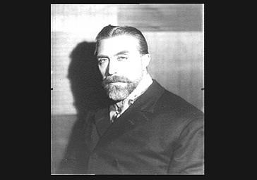 Victor Francen dans le rôle du général Boulanger