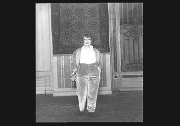 Denise Grey, sur scène au théâtre Fémina