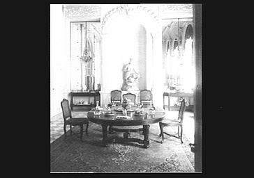 Vue de la salle à manger de la marquise de Ludres