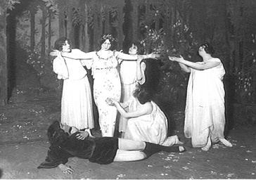 Cléo de Mérode sur scène dans 'Jardin de France'