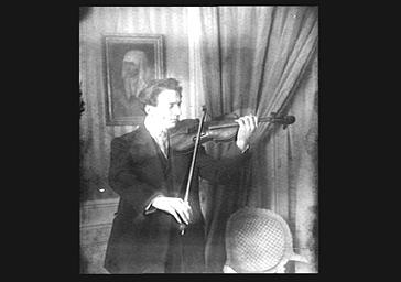 Jacques Thibault jouant du violon