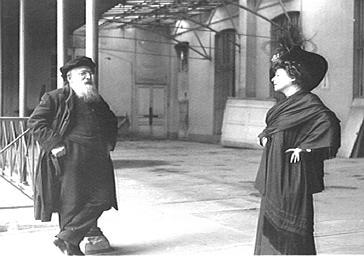 Comtesse de Choiseul et Auguste Rodin sous une véranda