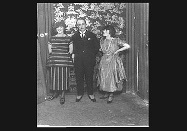 Un homme et de deux femmes