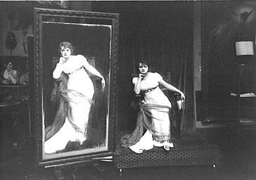 Mme Dorgère posant pour le peintre Sala