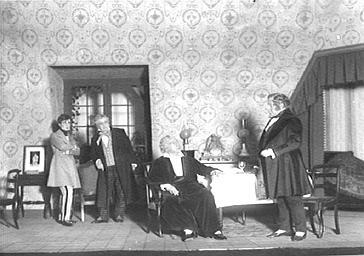 Acteurs jouant au théâtre