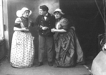 Jeanne Tessandier jouant au théâtre