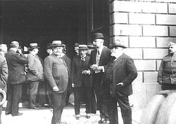 Le président de la République Millerand, Sforza et Bertolini au Palais des Académies