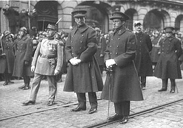 Le roi des Belges Léopold et le maréchal Foch