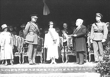 Fête officielle au Palais de Laeken avec le couple des souverains belges Léopold et Astrid