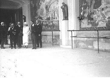 Visite de la reine des Belges au musée des Arts décoratifs