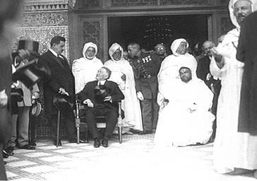 Inauguration de la Mosquée de Paris : le sultan du Maroc et le président de la République Gaston Doumergue