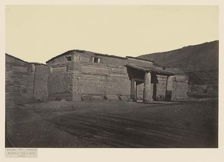 Maison du curé à Mitla. Extérieur