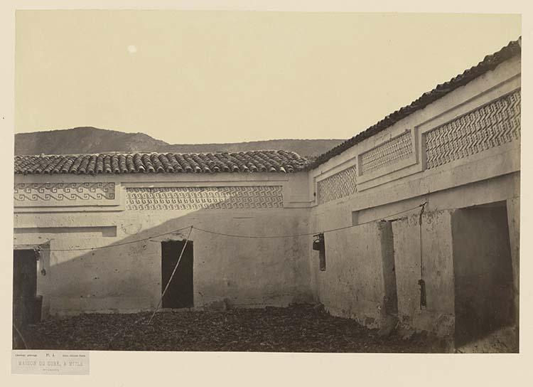 Maison du curé à Mitla. Intérieur