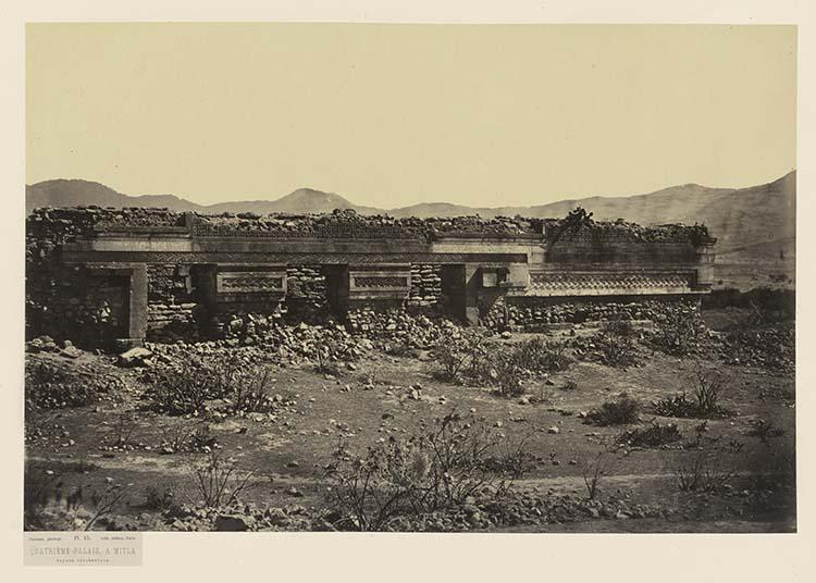 Quatrième palais à Mitla. Façade occidentale