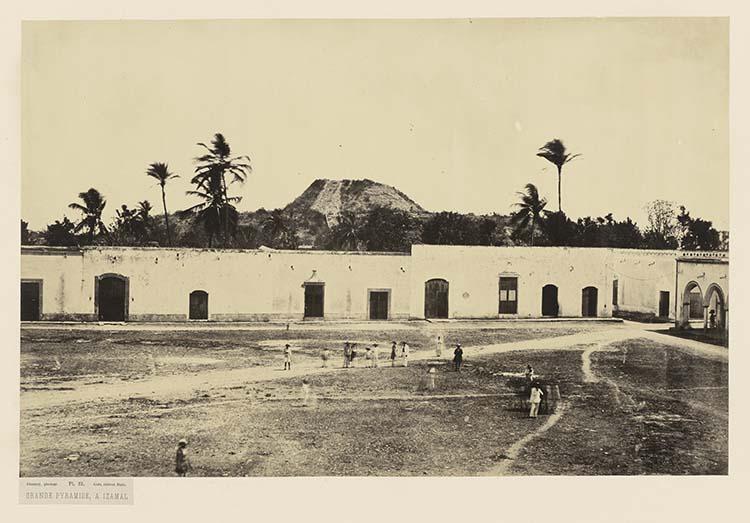 Grande pyramide, à Izamal