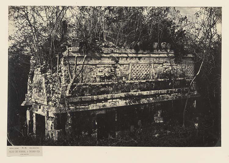Palais des Nonnes, à Chichen-Itza. Aile droite