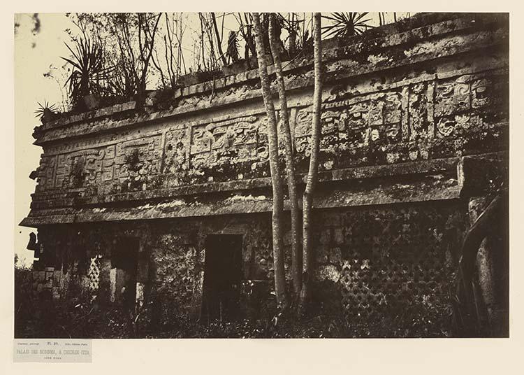 Palais des Nonnes, à Chichen-Itza. Côté nord