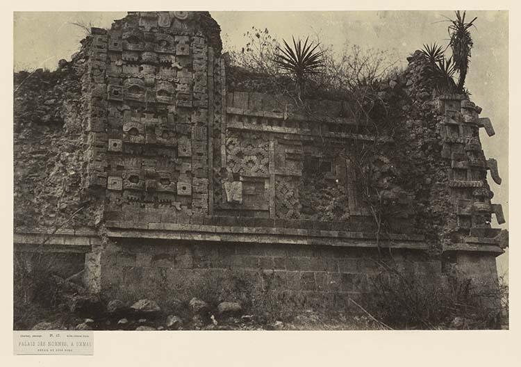 Palais des Nonnes, à Uxmal. Détail du côté nord