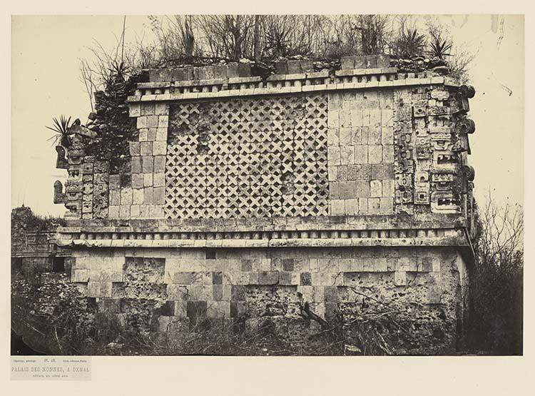 Palais des Nonnes, à Uxmal. Détail du côté sud