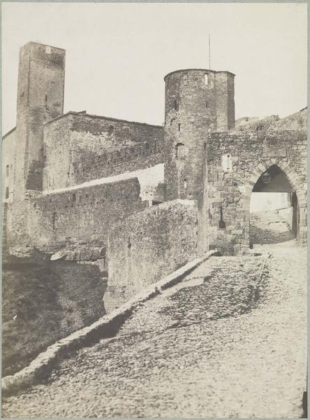 Porte de l'Aude et tour de l'Evêque