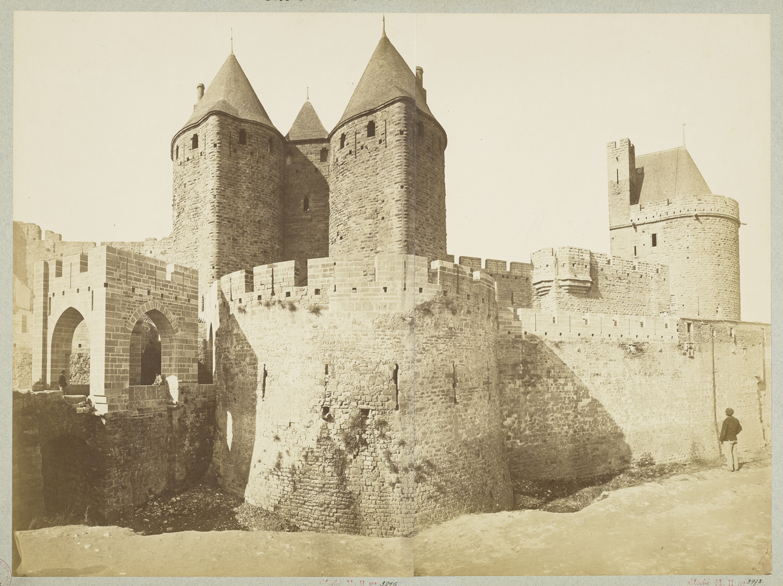 Porte Narbonnaise et tour du Tréseau