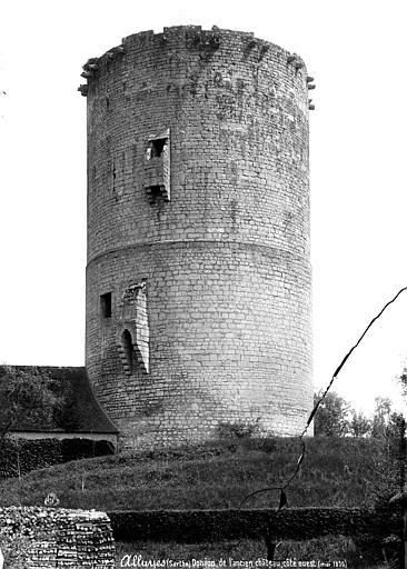 Donjon, côté ouest