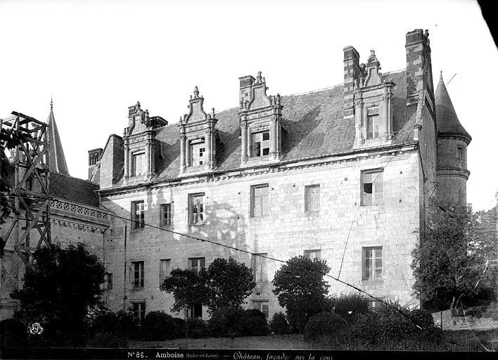 Aile Louis XII : façade sur la cour côté ouest