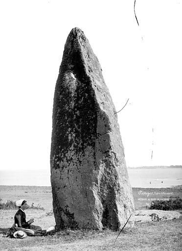 Menhir au bord de la Loire
