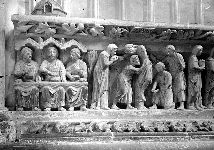 Bas-relief du choeur (partie gauche) : La Bénédiction du pain