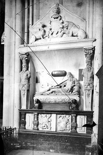 Monument funéraire de Guillaume de Langey du Bellay