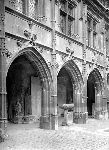 Ancien hôtel de Cluny et Palais des Thermes, actuellement Musée National du Moyen-Age