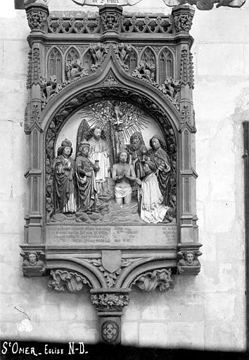 Monument funéraire d'un chanoine : Baptême du Christ avec le donateur accompagné de saint Jean, saint Côme et saint Damien