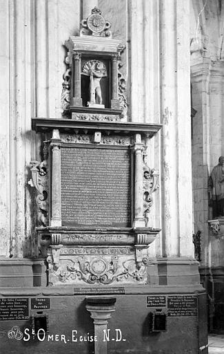 Monument commémoratif de Jean du Bur, échevin de Saint-Omer et de sa femme