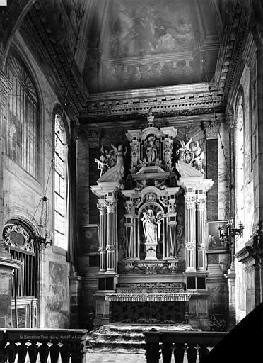 Retable de la chapelle de la Vierge, dite de Nérestang, 2 statues : La Vierge, Vierge à l'Enfant