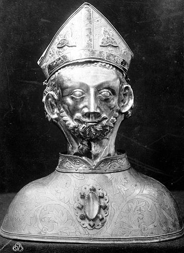 Éléments originaux du buste-reliquaire de saint Martin : plaques tréflées et plaques de l'orfroi vertical de la mitre