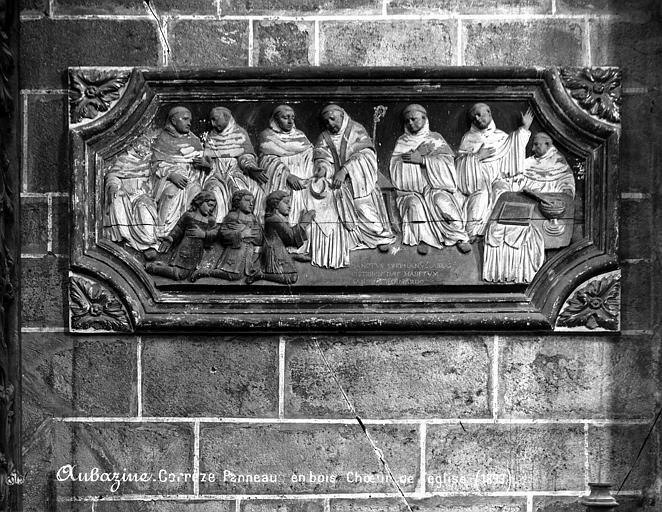 Bas-relief : saint Etienne Harding donnant l'habit à saint Bernard de Clairvaux