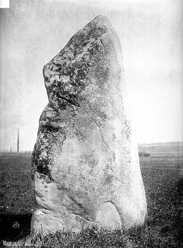 Menhir dit Pierre de Gargantua