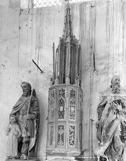 Tabernacle en bois de l'autel