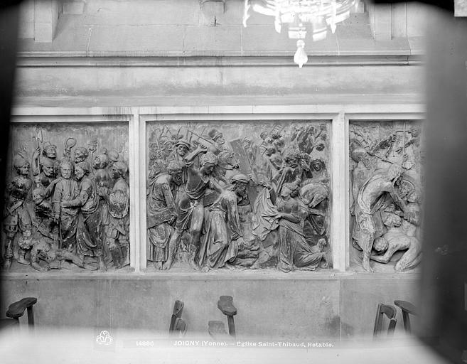 Retable, 3 bas-reliefs : Le Portement de croix et l'épisode de Véronique, Le Baiser de Judas, La Descente aux Limbes