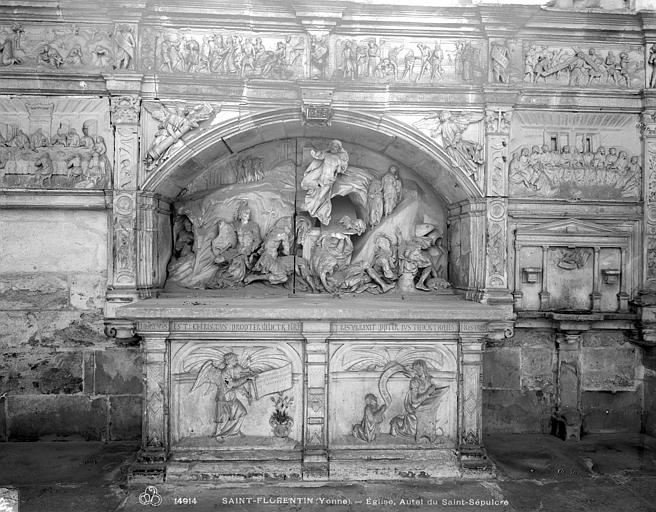Autel du Saint-Sépulcre : La Résurrection et scènes de la Passion