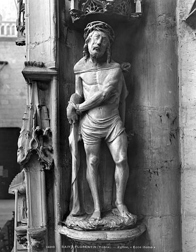 Statue en pierre : Christ aux liens
