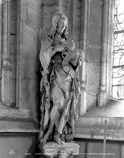 Statue en pierre : Saint Jean-Baptiste