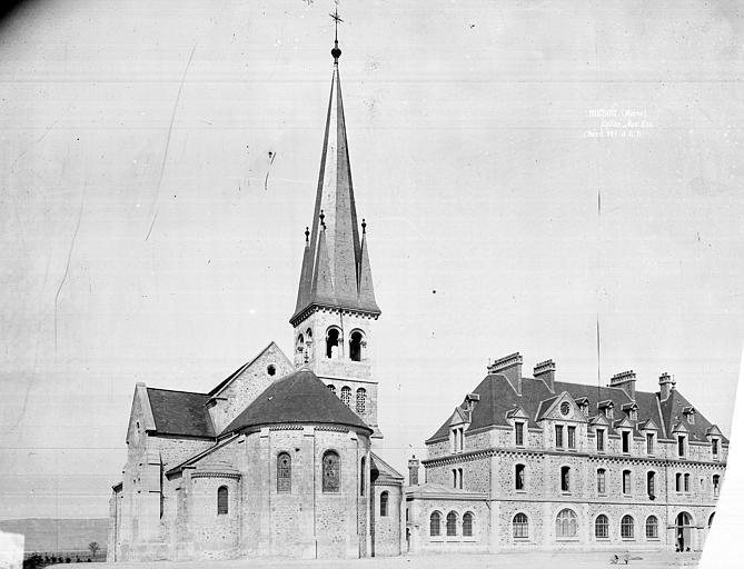 Ensemble est : Eglise et bâtiment abbatial