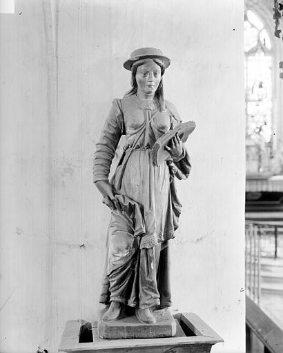 Statue de sainte Savine