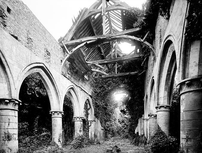 Vue intérieure de la nef