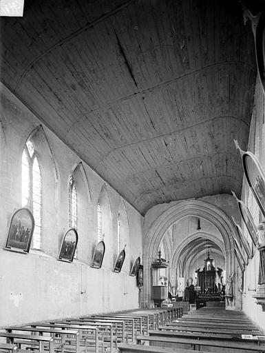 Vue intérieure de la nef, vers le nord-est